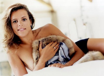 Campionessa Olimpionica Laure Manaudou arrestata a Euro Disney: nella borsa souvenir per 300 euro!
