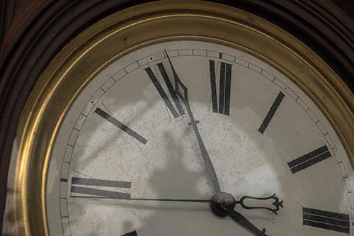 Tempo (due puntini)...