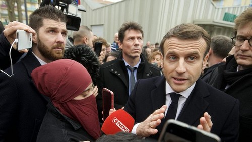 Il selfie di Macron
